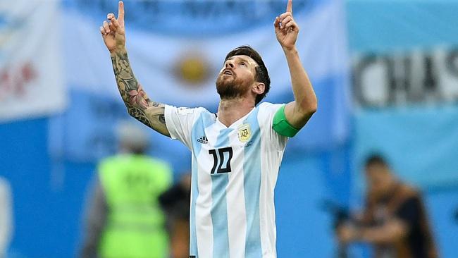 """5 cầu thủ khốn khổ vì được coi là """"truyền nhân của Maradona"""": Có cả Messi - Ảnh 5."""