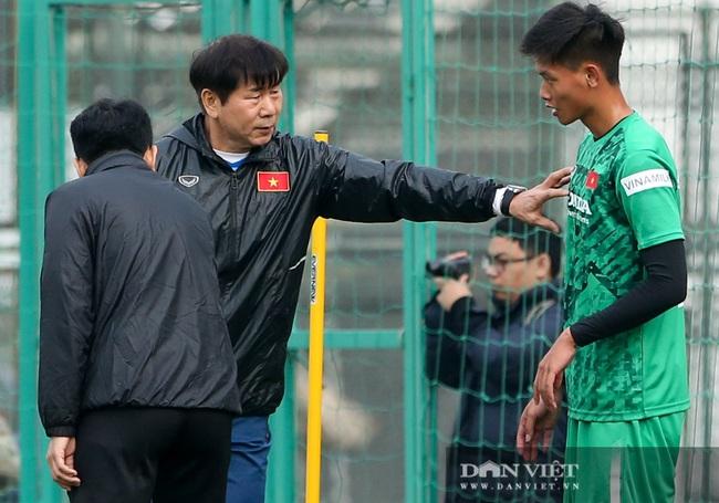 Ngày đầu tập trung U22 Việt Nam có HLV thủ môn Hàn Quốc mới  - Ảnh 7.