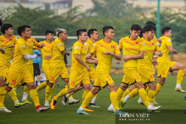Ngày đầu tập trung U22 Việt Nam có HLV thủ môn Hàn Quốc mới  - Ảnh 2.