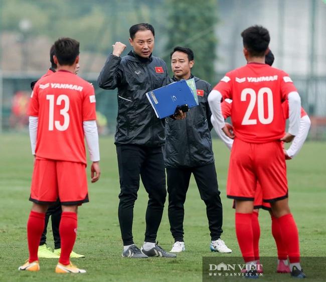 Ngày đầu tập trung U22 Việt Nam có HLV thủ môn Hàn Quốc mới  - Ảnh 6.