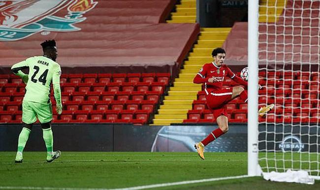 """Liverpool vượt qua vòng bảng, """"lũ trẻ"""" của Klopp nhận """"mưa lời khen"""" - Ảnh 1."""