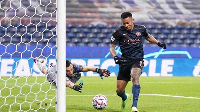 """Man City """"giúp"""" Porto đi tiếp, HLV Guardiola nhắc tới """"sự giả tạo"""" - Ảnh 1."""