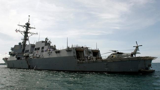 Khu trục Mỹ đi qua eo biển Đài Loan, Trung Quốc vội điều chiến đấu cơ, tàu chiến bám đuôi - Ảnh 1.