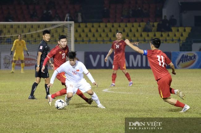 Văn Quyết ghi bàn, đội tuyển Việt Nam thắng ngược U22 Việt Nam - Ảnh 4.