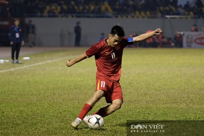 Văn Quyết ghi bàn, đội tuyển Việt Nam thắng ngược U22 Việt Nam - Ảnh 8.