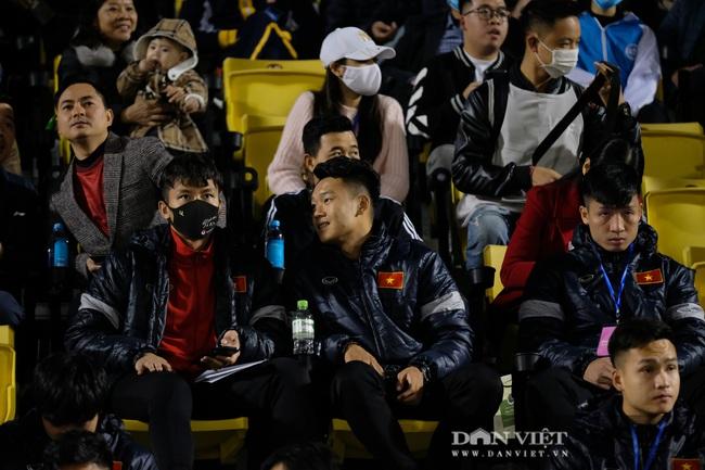 Văn Quyết ghi bàn, đội tuyển Việt Nam thắng ngược U22 Việt Nam - Ảnh 7.