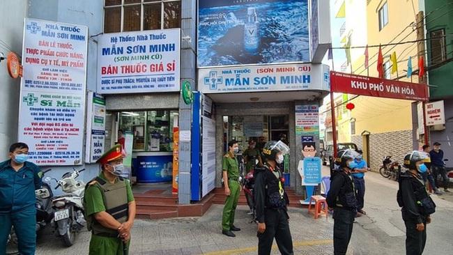 """Lý do Công an điều cả trăm cảnh sát """"vây"""" nhà thuốc Sơn Minh - Sĩ Mẫn - Ảnh 1."""