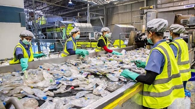 Nếu không tự tái chế rác thải: Nhà sản xuất phải đóng Quỹ Bảo vệ môi trường - Ảnh 1.