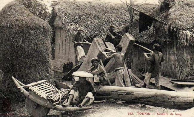 Nghề xẻ gỗ, cắt tóc của người Việt xưa - Ảnh 2.