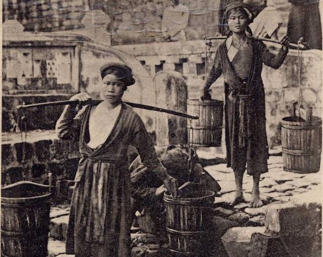 Nghề xẻ gỗ, cắt tóc của người Việt xưa - Ảnh 8.
