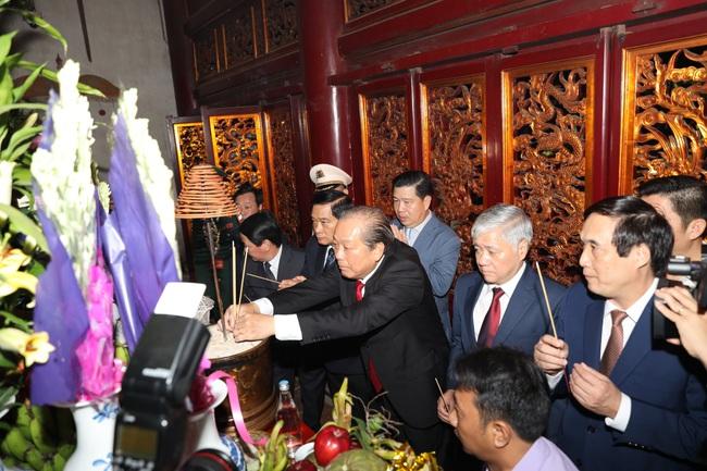 Đoàn Đại biểu các dân tộc thiểu số Việt Nam dâng hương tưởng nhớ các Vua Hùng - Ảnh 2.