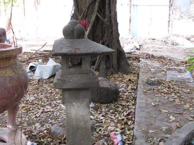 Bí ẩn về ngôi biệt thự trấn yểm bằng cây đèn đá của mẹ vợ Tổng thống Thiệu - Ảnh 1.