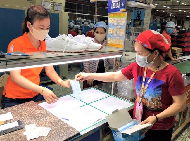 TP.HCM: Hơn 6.400 doanh nghiệp hoạt động trở lại - Ảnh 1.