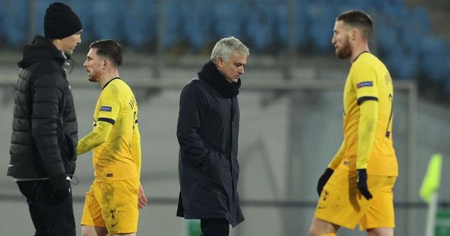 Mourinho thất vọng về nhiều học trò thi đấu thiếu cố gắng.