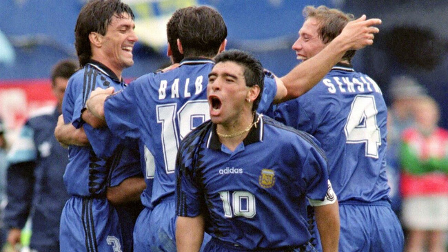 5 khoảnh khắc đáng nhớ nhất của Maradona trong lịch sử World Cup - Ảnh 8.