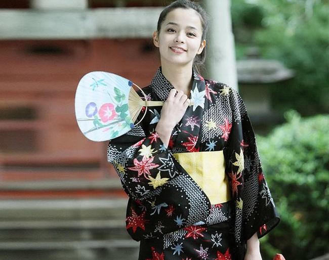Vợ của Daisuke Matsui là diễn viên nổi tiếng ở Nhật Bản - Ảnh 7.