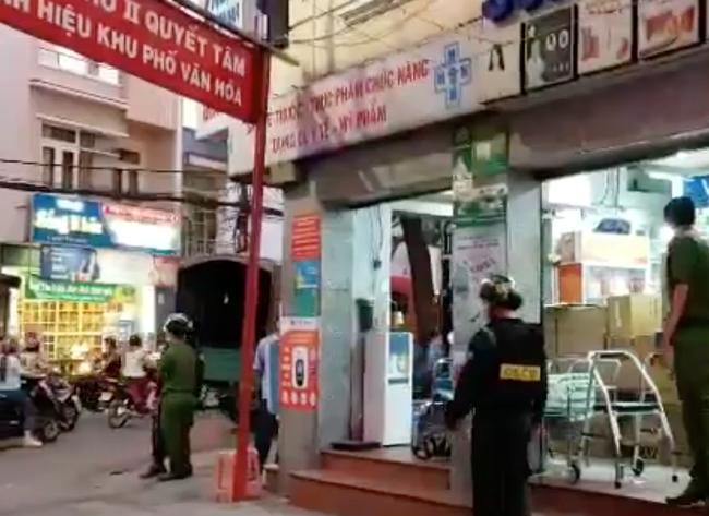 """Nóng: Huy động hàng chục cảnh sát """"bao vây"""" kiểm tra nhà thuốc Sĩ Mẫn lớn nhất tỉnh Đồng Nai - Ảnh 3."""