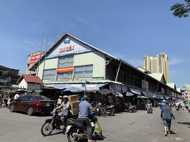 Người đàn ông dùng dao đâm chết nữ trưởng ban quản lý chợ Kim Biên - Ảnh 1.