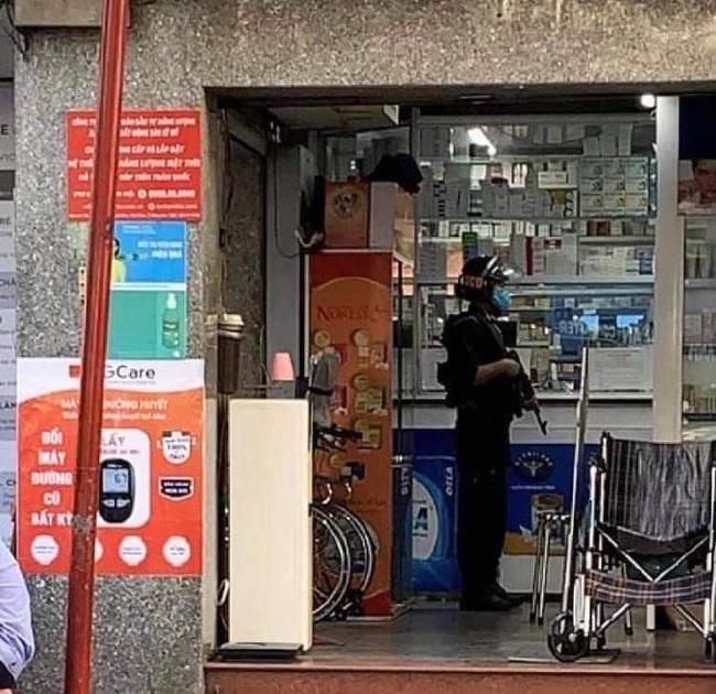 """Nóng: Huy động hàng chục cảnh sát """"bao vây"""" kiểm tra nhà thuốc Sĩ Mẫn lớn nhất tỉnh Đồng Nai - Ảnh 1."""