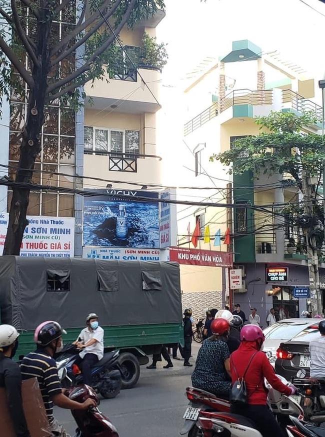 """Nóng: Huy động hàng chục cảnh sát """"bao vây"""" kiểm tra nhà thuốc Sĩ Mẫn lớn nhất tỉnh Đồng Nai - Ảnh 2."""