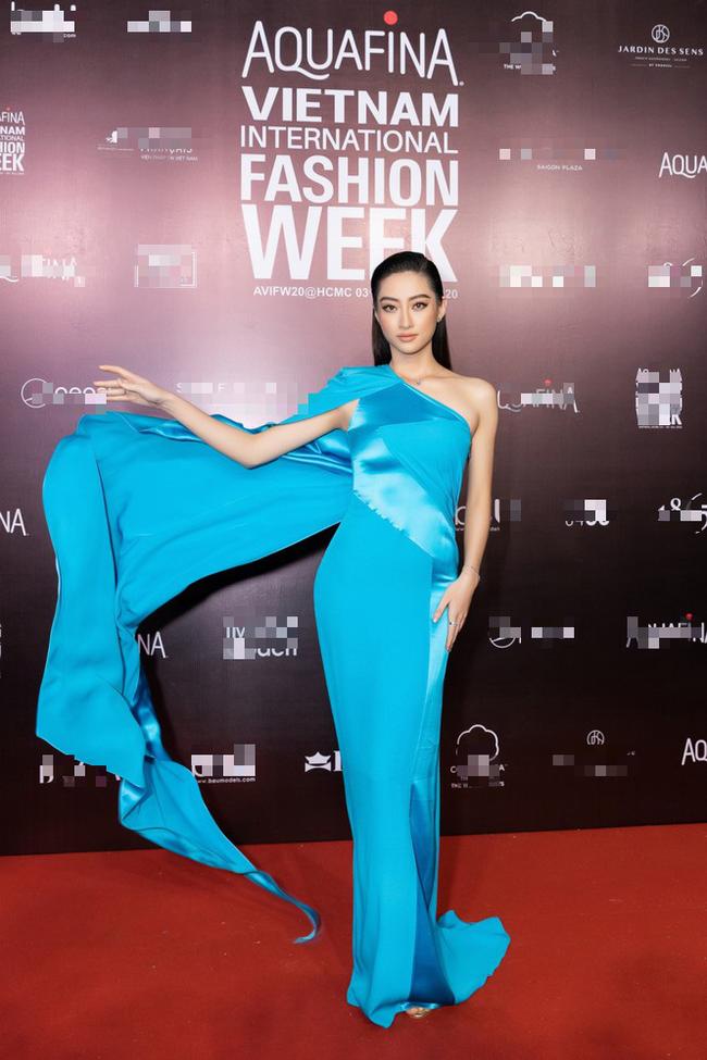 """Trần Tiểu Vy, """"mỹ nhân Cao Bằng chân dài 1m22"""" gây """"sốt"""" vì diện váy gợi cảm đẹp tựa nữ thần  - Ảnh 1."""
