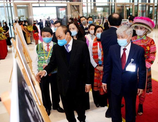 Thủ tướng Nguyễn Xuân Phúc vừa gợi mở điều này, các đại biểu dân tộc thiểu số đồng loạt gật đầu, vỗ tay - Ảnh 3.