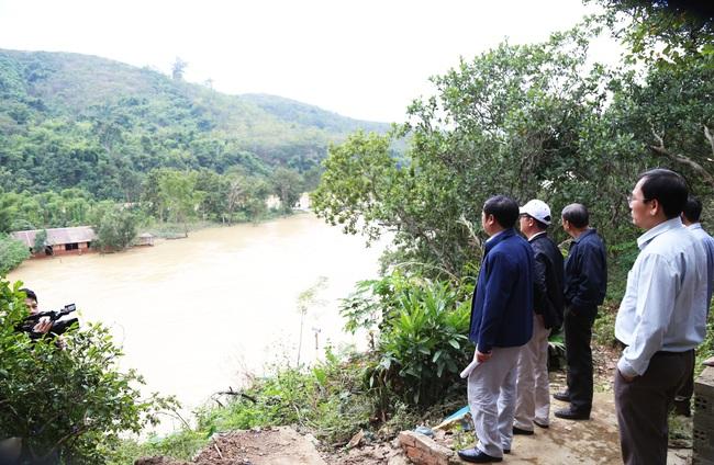 Vụ dân mất hàng tỷ đồng sau khi thủy điện xả lũ: Sớm ổn định cuộc sống cho dân - Ảnh 1.