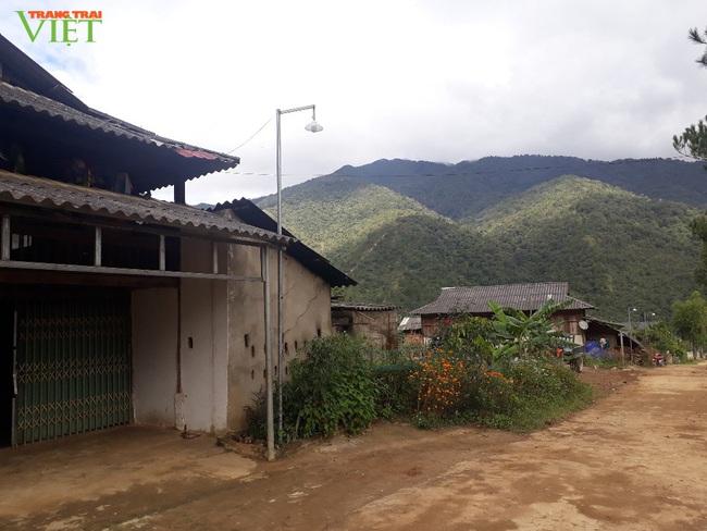Bản vùng cao Đông Suông làm nông thôn mới - Ảnh 2.