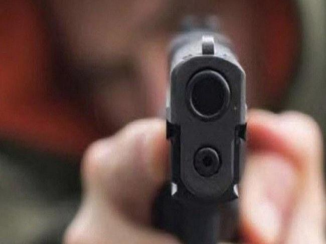 Bạc Liêu: Một chiến sỹ công an bị bắn - Ảnh 1.