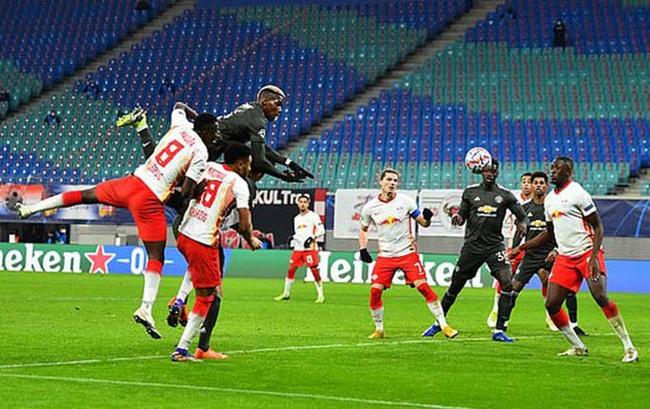 """M.U thua bẽ bàng Leipzig, HLV Solskjaer tìm cách """"đánh trống lảng"""" - Ảnh 1."""