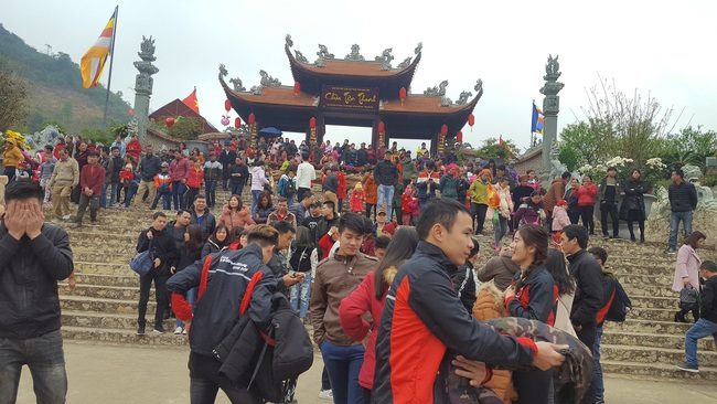 Lạng Sơn: Tạm dừng tổ chức khai mạc các Lễ hội xuân vì dịch virus Corona - Ảnh 2.