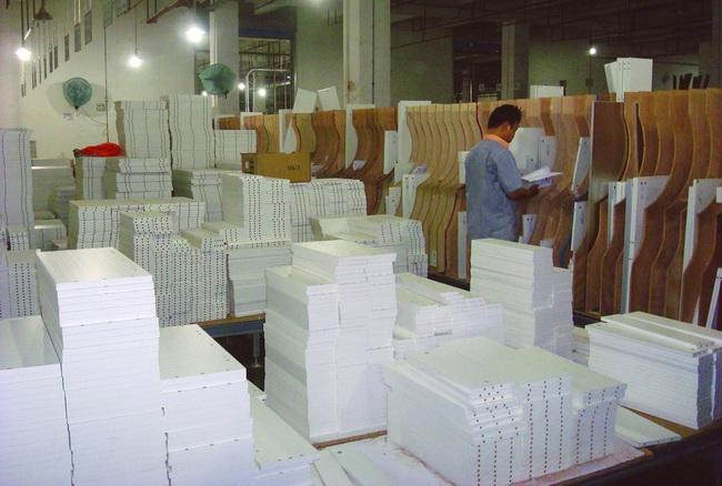 Thua kiện chống bán phá giá, doanh nghiệp tủ gỗ Trung Quốc bị Mỹ đánh thuế tới 269% - Ảnh 1.