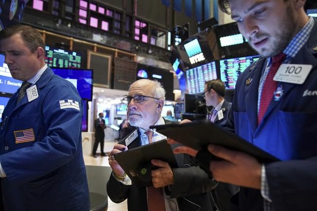 Khối ngoại gom mạnh HDB, nhưng bán ròng gần 700 tỷ đồng trong tuần đầu tháng 2 - Ảnh 1.