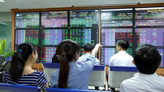 Thị trường chứng khoán 12/3: Tác động của Covid-19 nằm ngoài dự báo - Ảnh 1.