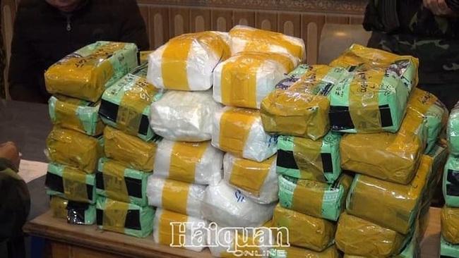 Lạng Sơn: Bắt vụ vận chuyển 246 kg tinh thể màu trắng nghi ma túy đá  - Ảnh 1.