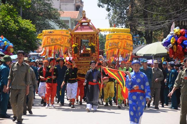 Dịch covid- 19: Du lịch Lạng Sơn vắng vẻ, lượng khách sụt giảm hơn 58%  - Ảnh 2.