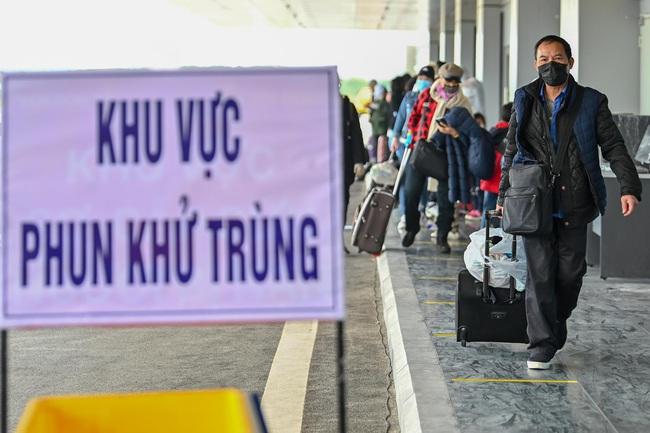 Sân bay Vân Đồn đón thêm 56 công dân Việt Nam từ Ukraine về nước  - Ảnh 5.