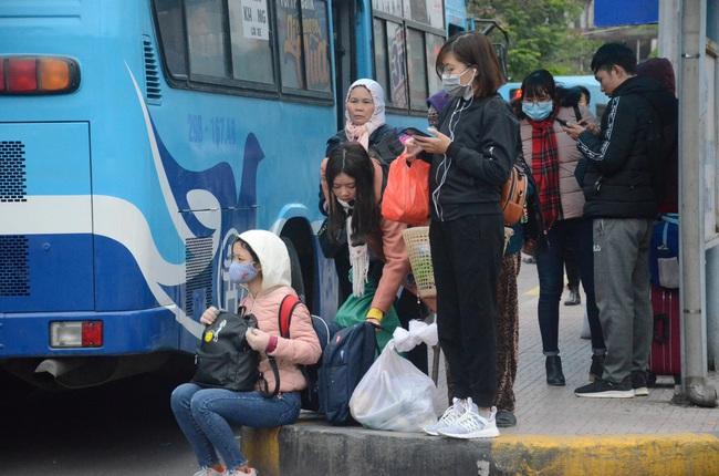 Thành lập các chốt ở cửa ngõ Hà Nội kiểm tra xe chở khách phòng dịch Covid-19 - Ảnh 1.