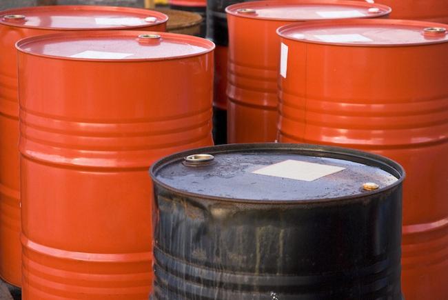 Ở Canada lúc này, giá một thùng dầu rẻ hơn một cốc bia! - Ảnh 1.