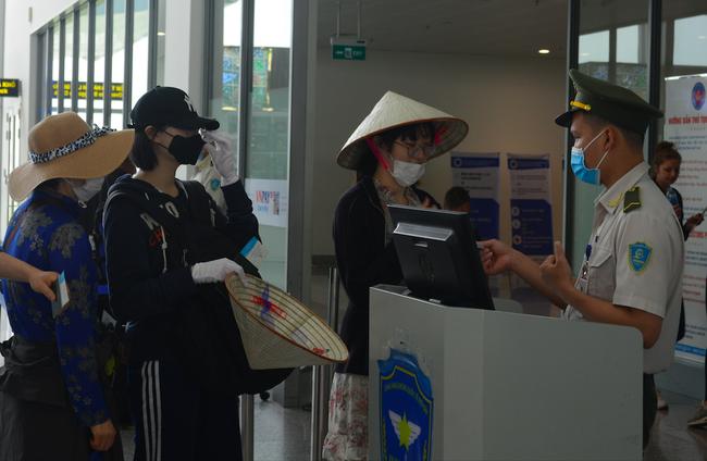 Huỷ chuyến bay giữa Việt Nam - Pháp người nhập cảnh phải có giấy xác nhận không nhiễm dịch Covid-19  - Ảnh 1.