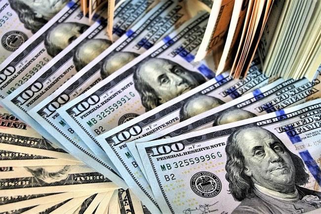 Tỷ giá ngoại tệ hôm nay 10/4 lao dốc, mất 90 đồng - Ảnh 1.