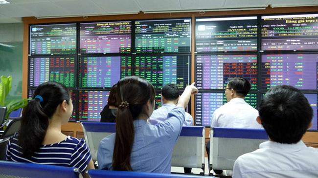 Chứng khoán hôm nay 17/4 tăng tốc: Cổ phiếu bia, dầu khí hưng phấn - Ảnh 1.