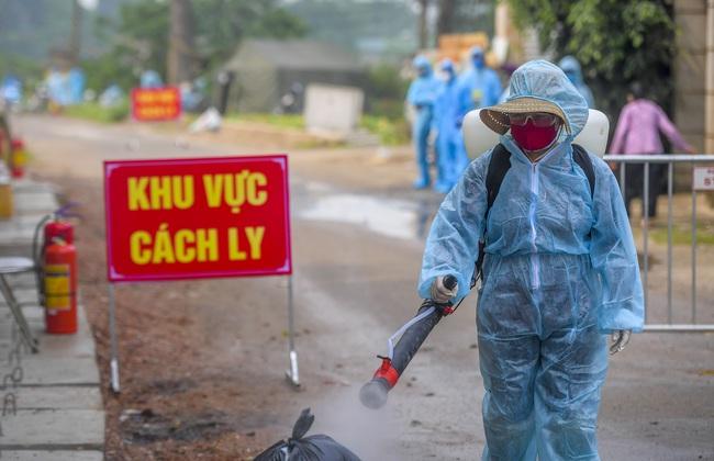 Hà Nội test nhanh hơn 1.300 người dân khu vực bệnh nhân 266 cư trú - Ảnh 10.