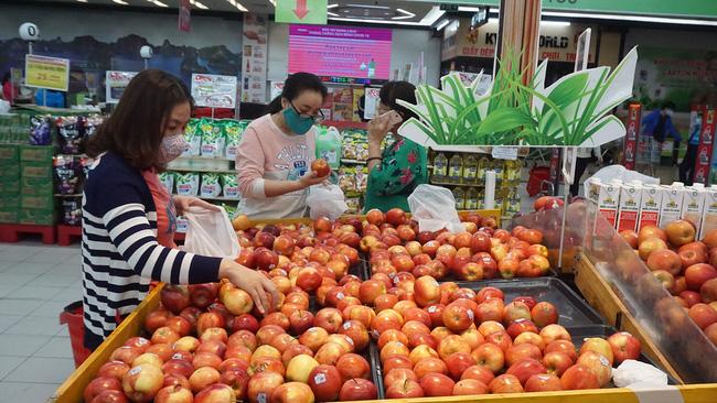 Cách ly toàn xã hội: Quảng Ninh triển khai 490 điểm bán hàng bình ổn giá  - Ảnh 2.