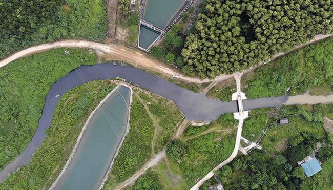Vụ nguồn nước sông Đà bị nhiễm dầu bẩn: Viwasupco… tăng lương Ban TGĐ - Ảnh 2.