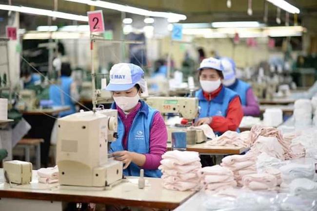 """Sản xuất khẩu trang không """"cứu"""" được doanh nghiệp dệt may mùa Covid-19 - Ảnh 1."""