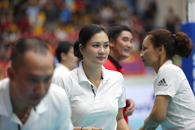 Hoa khôi bóng chuyền Kim Huệ bật khóc: Chấn thương nặng, sợ bị lãng quên - Ảnh 5.