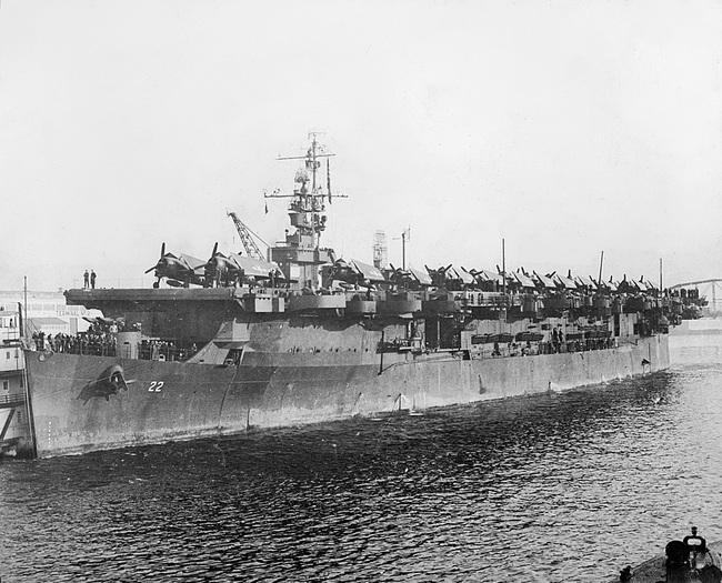 Kinh ngạc tàu sân bay Mỹ sống sót sau khi dính bom nguyên tử - Ảnh 7.