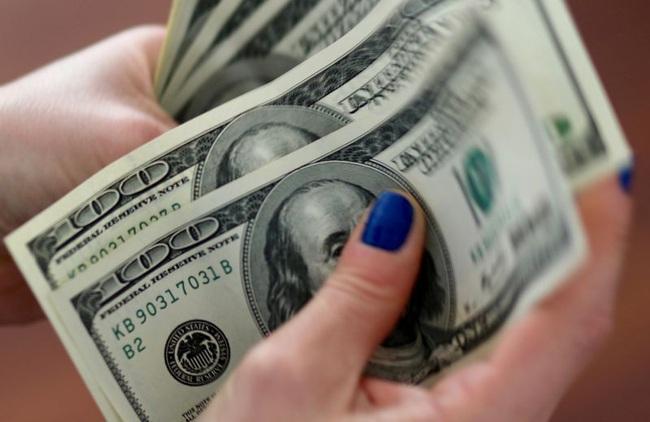 Mỹ thâm hụt ngân sách kỷ lục 738 tỷ USD, FED vẫn kêu gọi tăng cứu trợ tài chính - Ảnh 1.