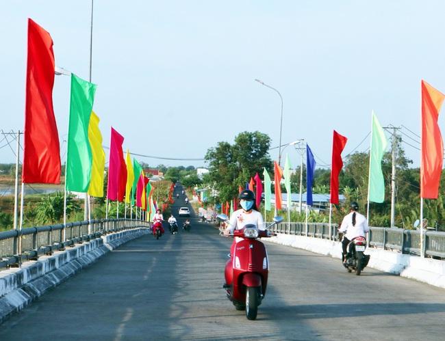 Cà Mau: Huyện U Minh đẩy mạnh tuyên truyền chào mừng đại hội đảng bộ các cấp - Ảnh 1.